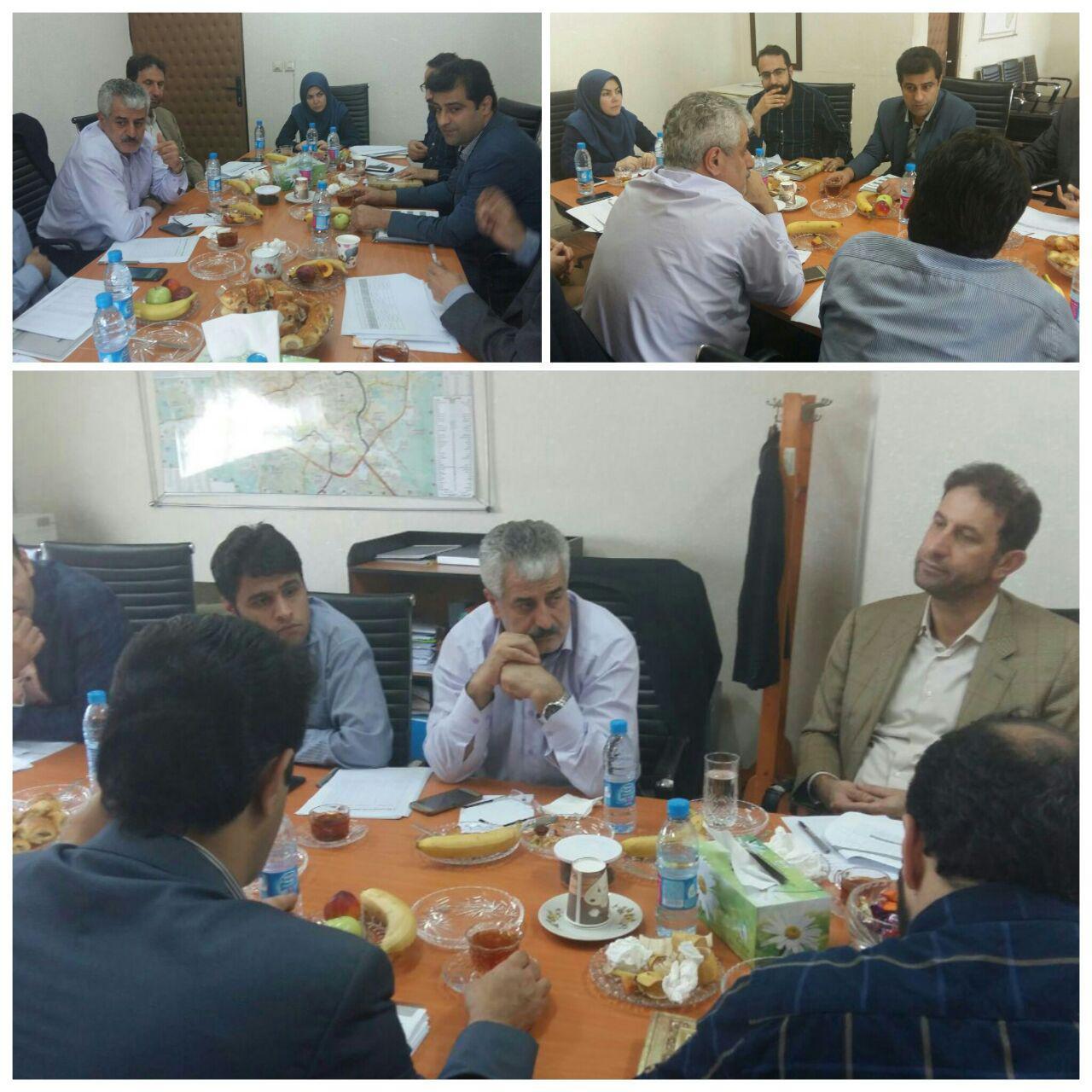 جلسه نظام دریافت و پرداخت در منطقه دو با حضور معاون مالی و اقتصادی و مدیران شهرداری رشت